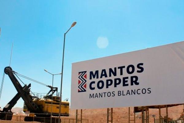 Mantos Cooper